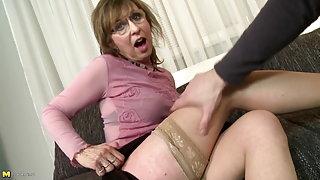 Spectacled mature meilleur sexy granny porno maman baise garçons ...