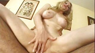 Les aventures anales d'une blonde
